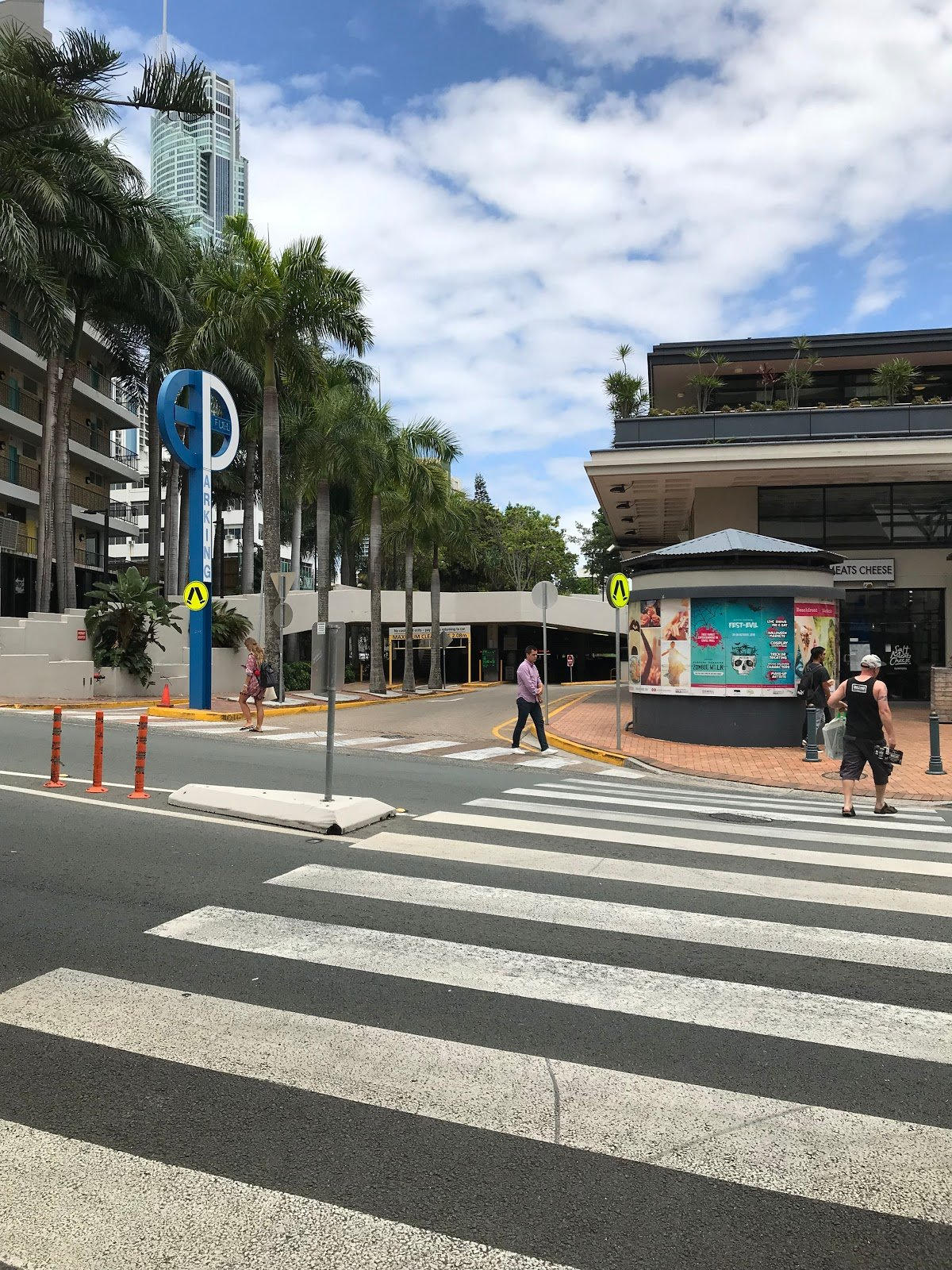 Entrance to Bruce Bishop Car Park – beach Road