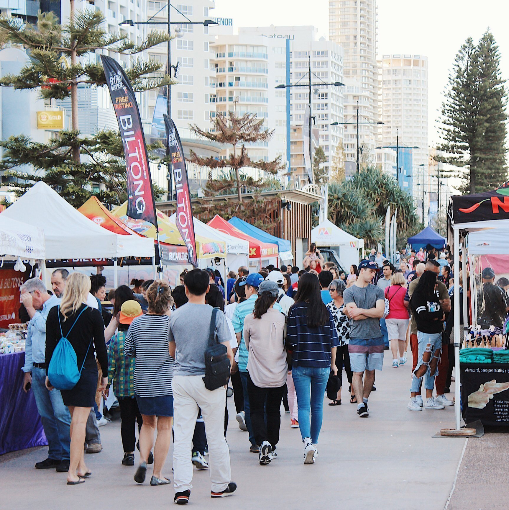 Surfers Paradise Beach Markets